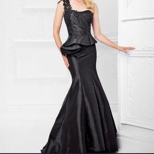 Montage by Mon Cheri Mermaid Dress Black 117925